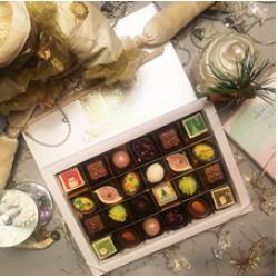 """Новогодний бал"" подарочная  коробка на 24 конфеты"